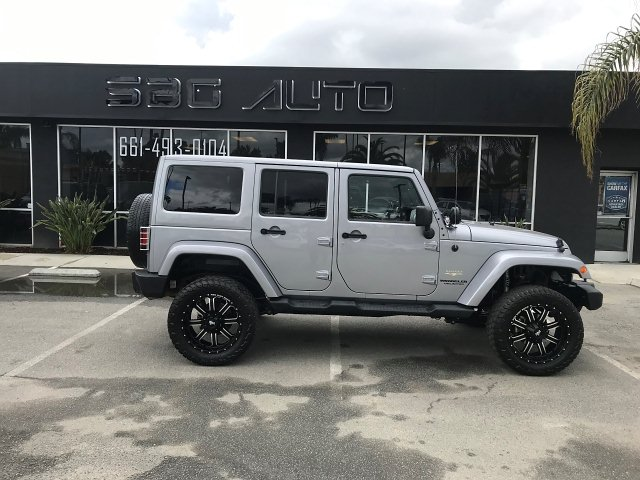 2013 Jeep Wrangler Unlimited Sahara 4WD 5-Speed Automatic